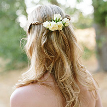 Acconciature ed abiti da sposa ecco gli abbinamenti perfetti